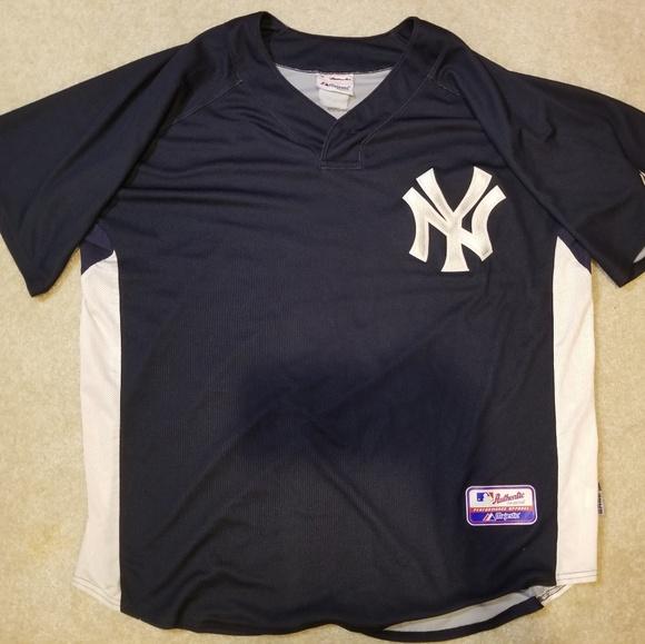 4059493e192 Majestic Shirts   Vintage New York Yankees Baseball Jersey   Poshmark
